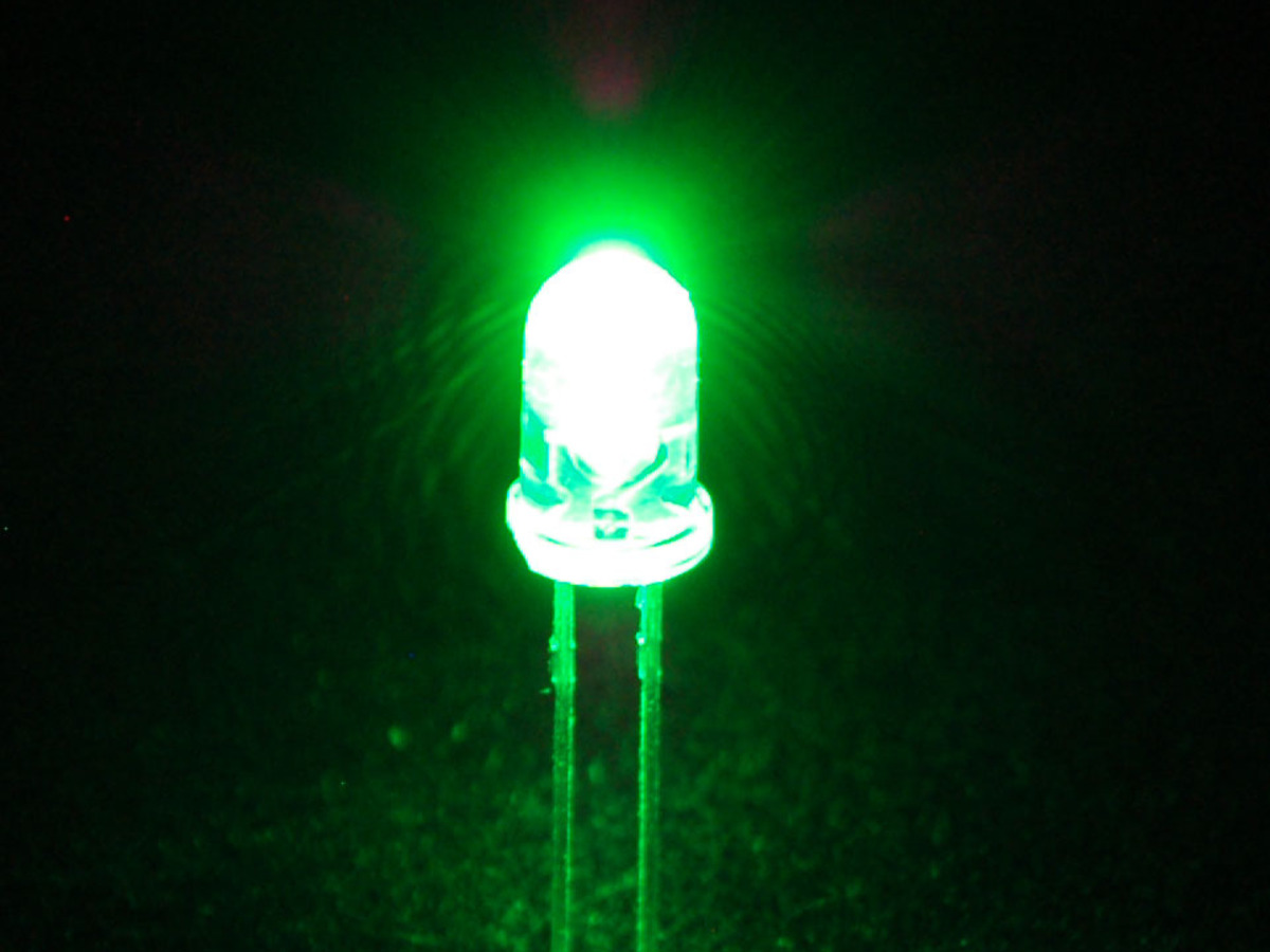 Green LED in white cristal